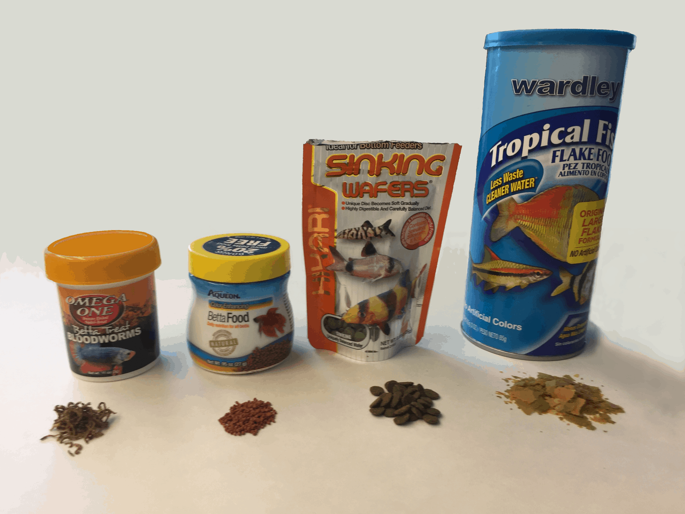 4 types of food for automatic fish feeders
